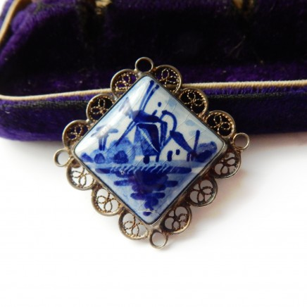 Photo of Vintage Dutch Delft Brooch