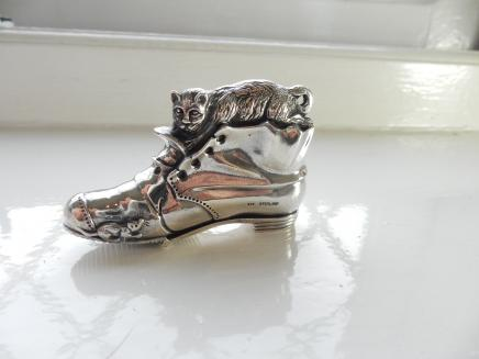 Photo of Fine Silver Cat & Boot Vesta