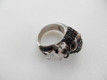Photo of Swarovski Black Jaguar Ring