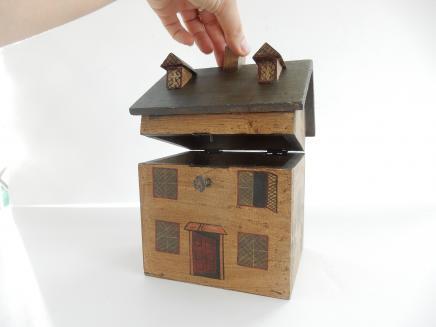 Photo of Wooden Georgian House Tea Caddy