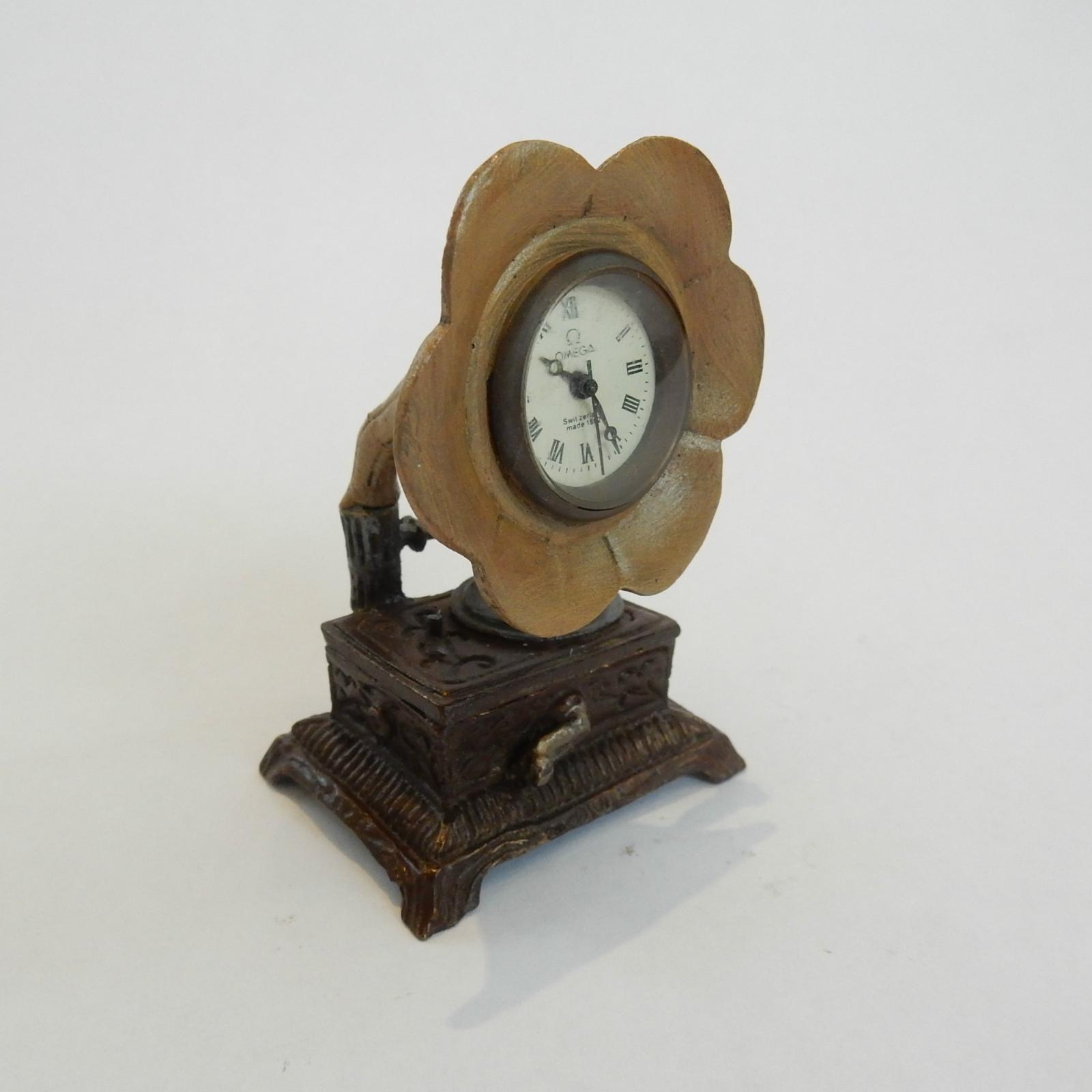 Photo of Hand Painted Novelty Omega Gramophone Clock