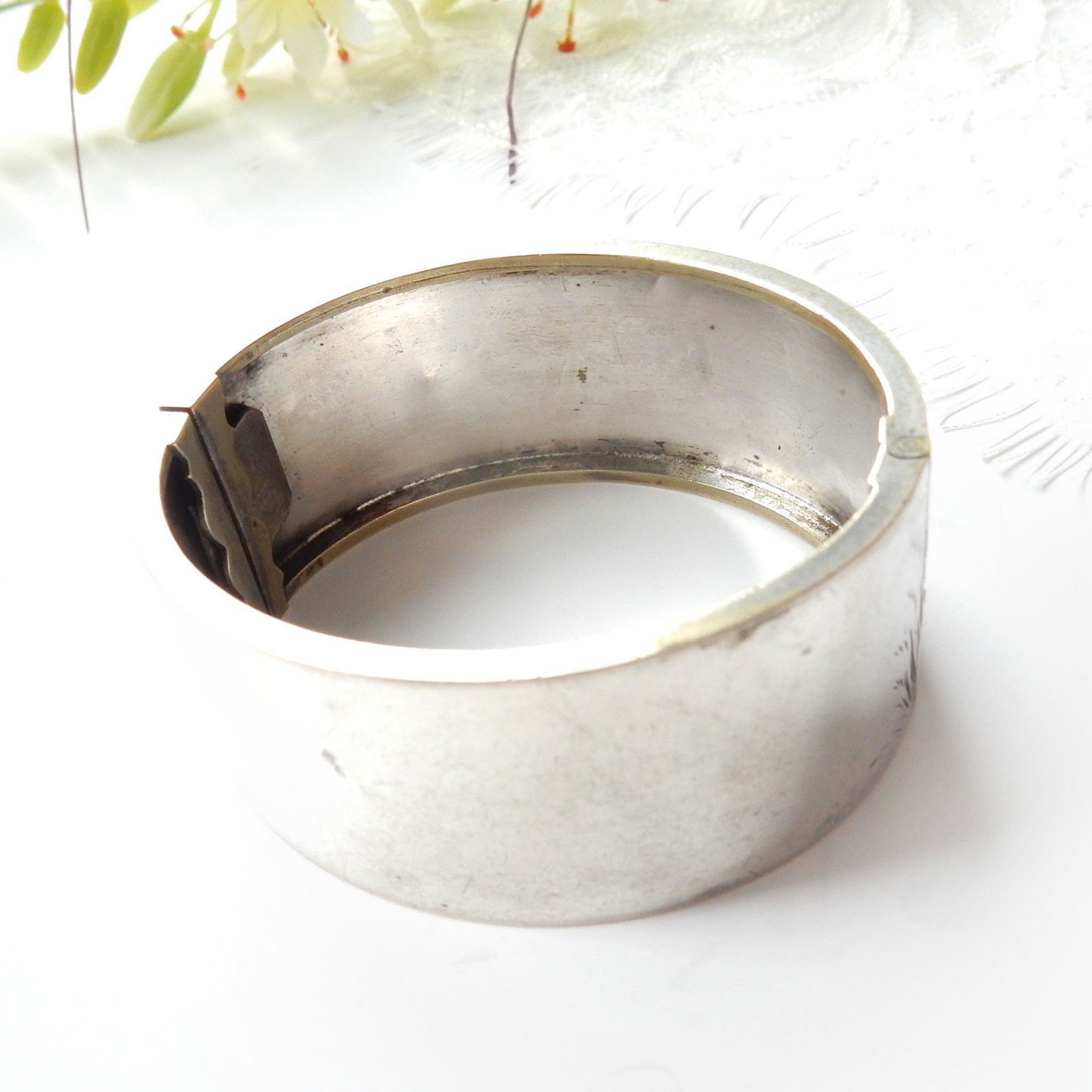 Photo of Antique Victorian Silver Hand Chased Heron Bird Cuff Bangle Bracelet Aesthetic