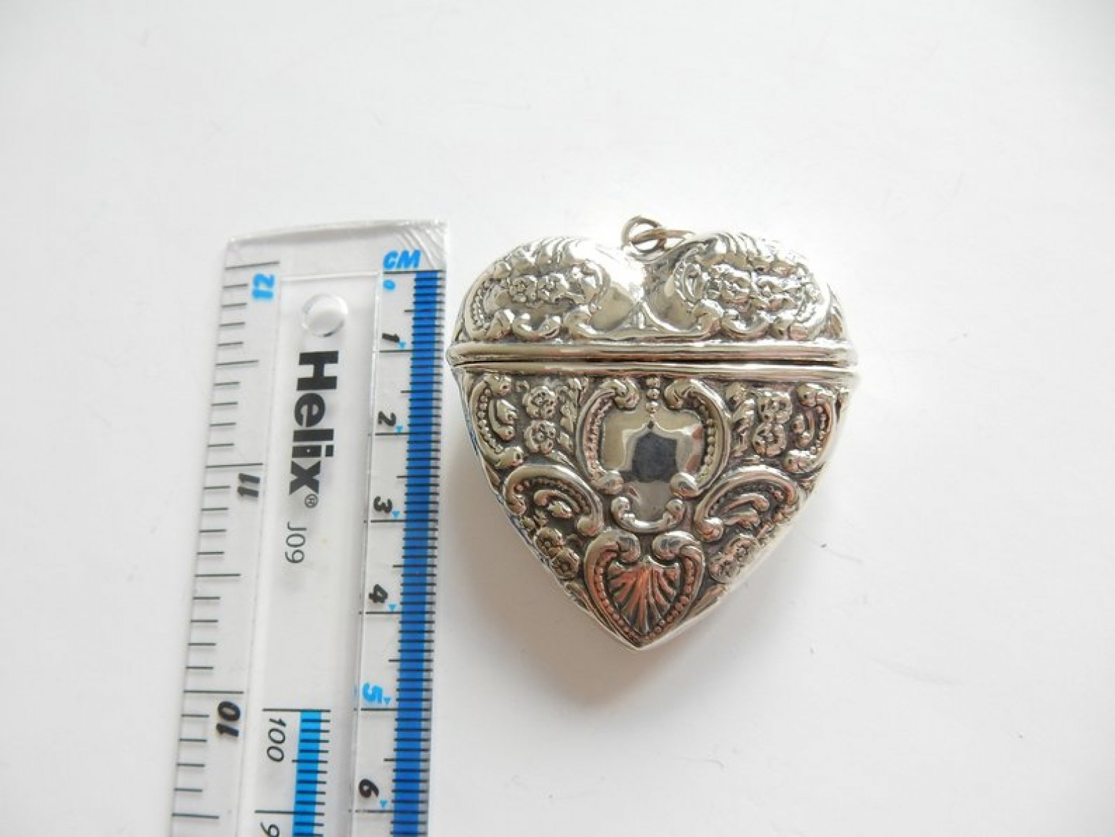 Photo of Fine Silver Filigree Heart Vesta