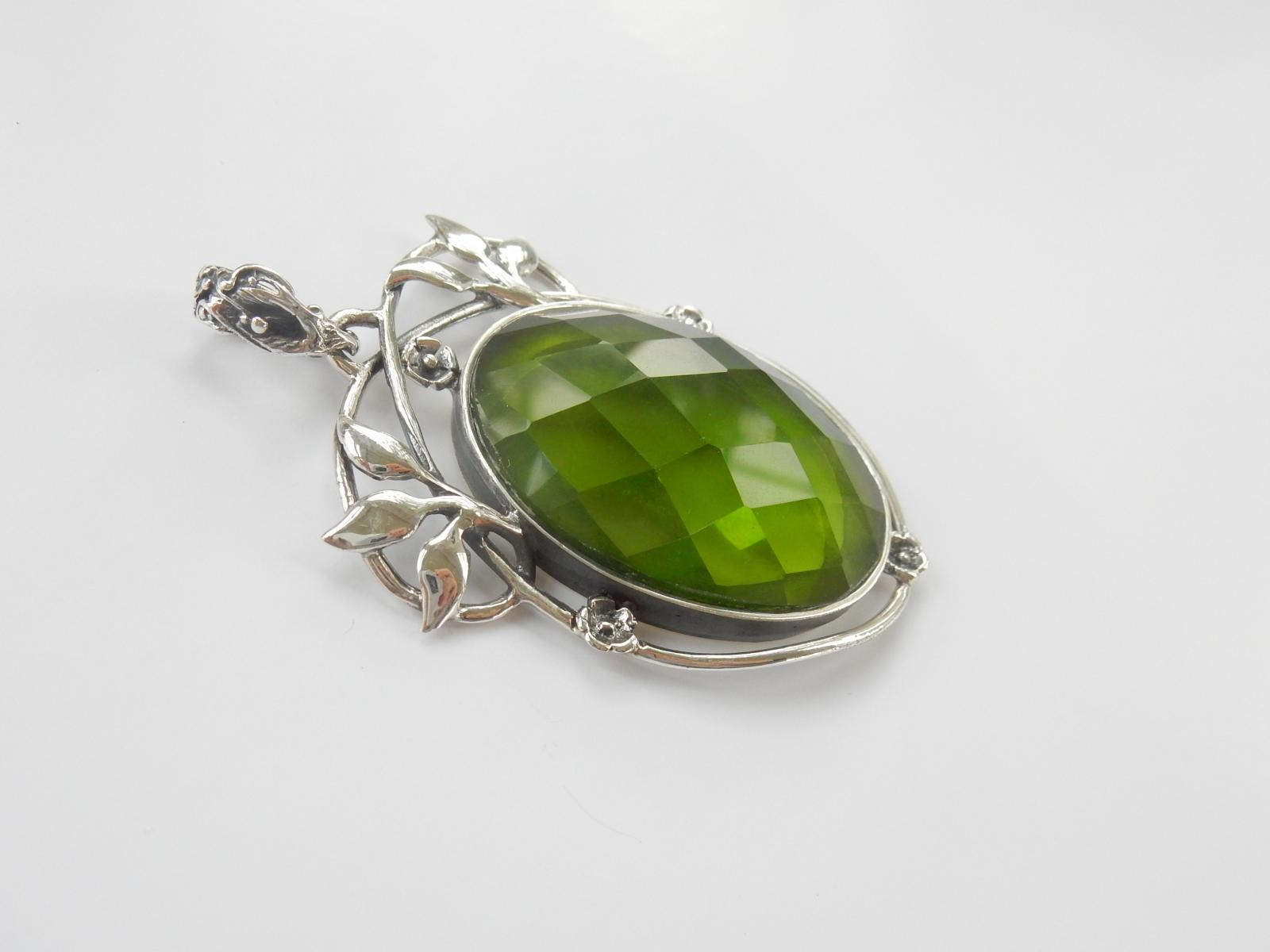 Photo of Large Silver Vine Leaf Green Paste Pendant